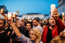 Pod Pałacem Prezydenckim w Warszawie protestowały tłumy