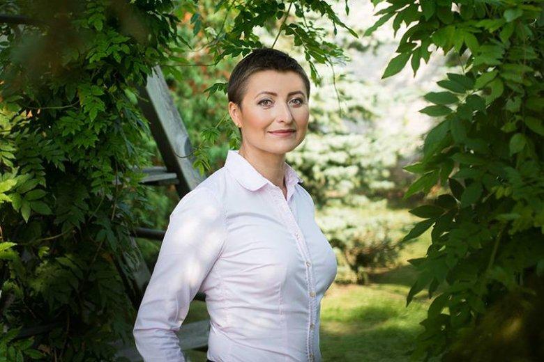 Gdy Katarzyna Stachowicz słyszy kolejne porównania do słynnej Angeliny Jolie - reaguje uśmiechem. Choć niektórzy właśnie mówią o niej, że jest polską odpowiedniczką aktorki w walce o profilaktyczną mastektomię.
