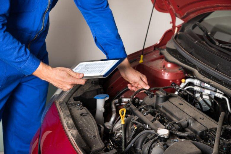 Zjawisko zimnego rozruchu ma miejsce za każdym razem, gdy odpalamy silnik samochodu, rozpoczynając jego rozgrzewanie. Wynikające z niego szkody można zminimalizować, zmieniając pewne nawyki jazdy i dobierając olej o niskiej lepkości