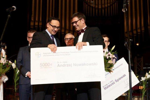Dr Andrzej Nowakowski i Markus Baltzer, prezes Bayer