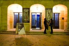 Teatr WARSawy to de facto jedyna czynna placówka kulturalna na mapie warszawskiej Starówki. Z dniem 1 stycznia prawdopodobnie zamknie na zawsze drzwi przed widzami