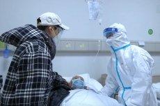Personel medyczny w Wuhan nie ma czasu chodzić do łazienki. Nosi pieluchy dla dorosłych