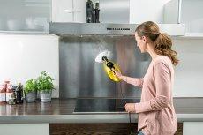 Parownica domowa to elektryczne urządzenie z napełnianym ręcznie zbiornikiem na wodę, która służy do produkcji pary. Dzięki niej czyszczenie i odkażanie powierzchni staje się proste i wygodne