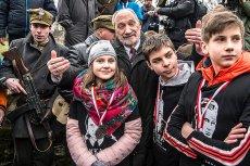 """Szef MON w otoczeniu dzieci będzie 5 marca w """"Teleranku"""" opowiadał o Żołnierzach Wyklętych."""