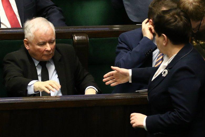 Beata Szydło spędziła pięć godzin w szpitalu u Jarosława Kaczyńskiego.