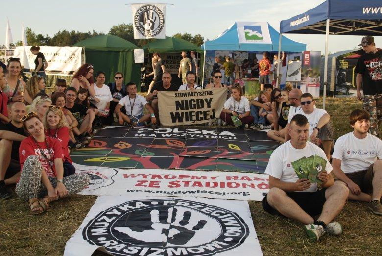 Stowarzyszenie NIGDY WIĘCEJ - Przystanek Woodstock 2014