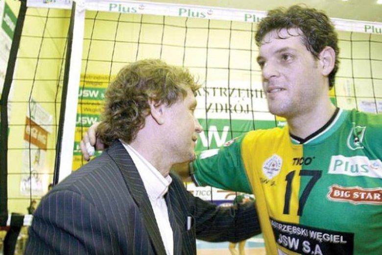 Polsatowi obrywa się za kodowanie MŚ w siatkówce. Trener reprezentacji Bułgarii i były zawodnik jastrzębskiego Węgla (z prawej) odmówił wywiadu na znak protestu