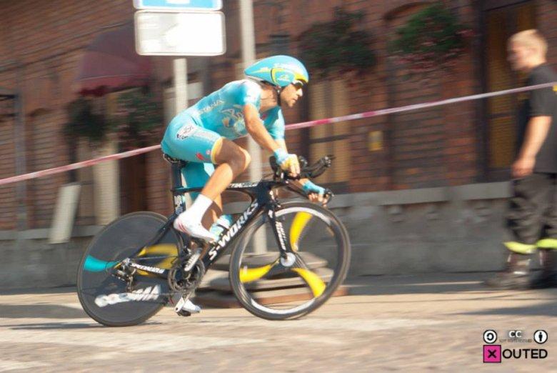 Vincenzo Nibali, jeden z najmocniejszych kolarzy w zawodowym peletonie podczas jazdy na czas w Wieliczce