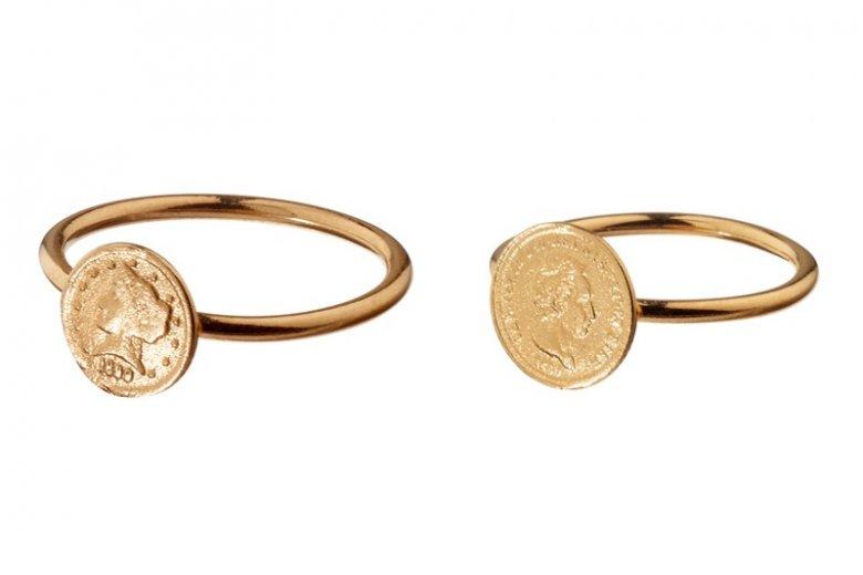 Anka Krystyniak: pierścionek z monetą w dwóch wersjach kolorystycznych, 180 zł