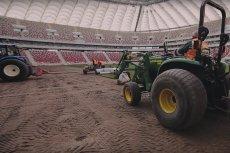 """Firma """"Trawnik"""" tłumaczy się ze stanu boiska na PGE Narodowym."""
