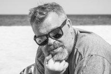 """Wojciech Romański zginął w wypadku samochodowym. Dziennikarz """"Rzeczpospolitej"""" miał 53 lata."""