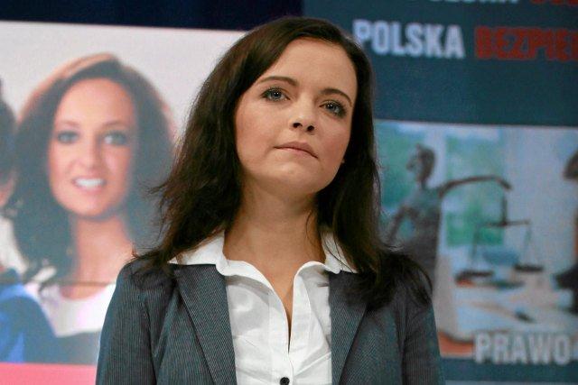Magdalena Żuraw zachęca do podpalania tęczy, która stoi na placu Zbawiciela