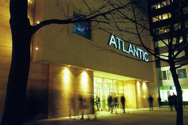 Kino Atlantic oferuje swoim klientom tanie bilety. Wystarczy kupić kartę kinomaniaka.