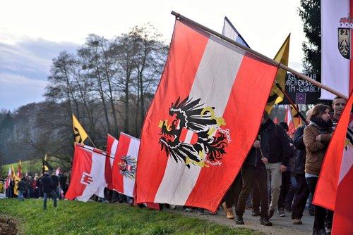 Austria staje się prawdziwym obrońcą europejskich wartości, ale unika przy tym skrajności i śmieszności.