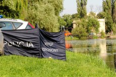 Ciało biznesmena znaleziono nad jeziorem pod Olsztynem. (Zdjęcie jest ilustracją do tekstu)