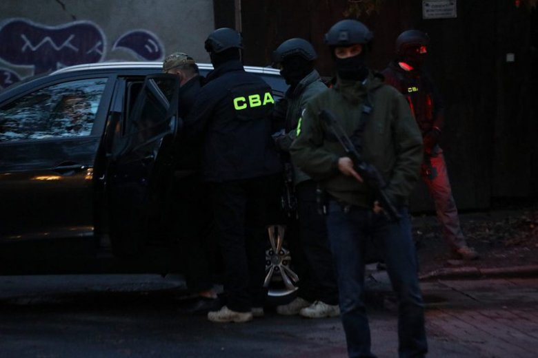 W Polsce wybuchła fala oburzenia na tempo akcji CBA w KNF.