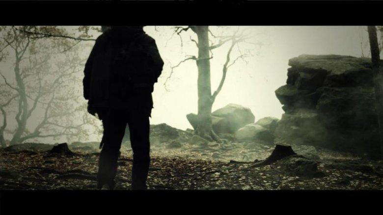 """Zdjęcie z klipu """"Koniec naszego świata"""""""