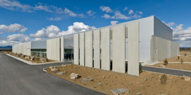 Prineville Data Center Exterior - w takich miejscach Facebook gromadzi nasze dane