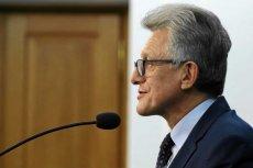 Piotrowicz dzisiaj pracuje w PiS. W PRL był prokuratorem.