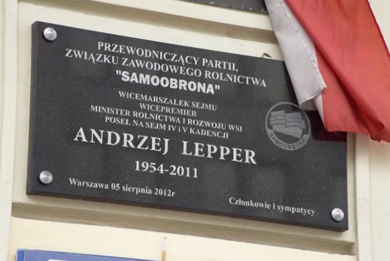 Współpracownicy Leppera nie uwierzyli w to, iż szef Samoobrony popełnił samobójstwo.