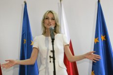 Magdalena Ogórek, choć dużo mówi o roli kobiet w polityce, swoim działaniem wcale im nie pomaga.