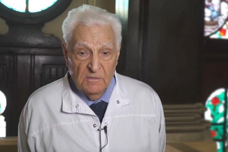 Dr Tadeusz Krawecki ze smutkiem wspomina czasy, kiedy wiele dzieci umierało z powodu chorób zakaźnych.