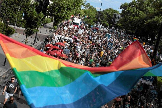 """TVP zablokowała """"Naszemu Dziennikowi"""" spot reklamowy. Zdaniem gazety poszło o słowo """"homoseksualizm""""."""