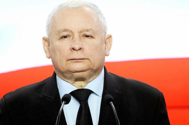 """Kim właściwie jest Jarosław Kaczyński? Dziennikarka Polsatu postanowiła go tytułować per """"Panie""""..."""