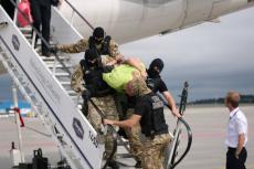 Zachowanie 46-latka zmusiło maszynę do lądowania w Gdańsku. Celem była Ryga.