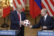 Secret Service sprawdzi piłkę podarowaną Trumpowi przez Władimira Putina.