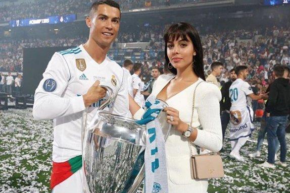 """Cristiano Ronaldo jest coraz bliżej Juventusu? Taką informację podaje czołowy hiszpański dziennik """"AS""""."""