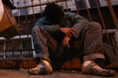 Niewielu bezdomnych decyduje się na życie w ośrodku.