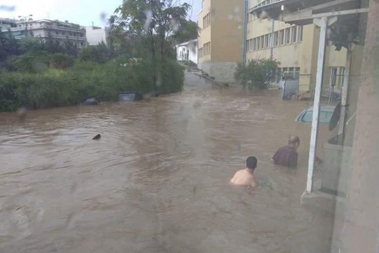 Najpierw śmiercionośne pożary, teraz powódź. To nie jest dobry czas dla Grecji.