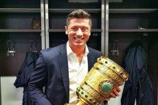 Robert Lewandowski z Pucharem Niemiec.