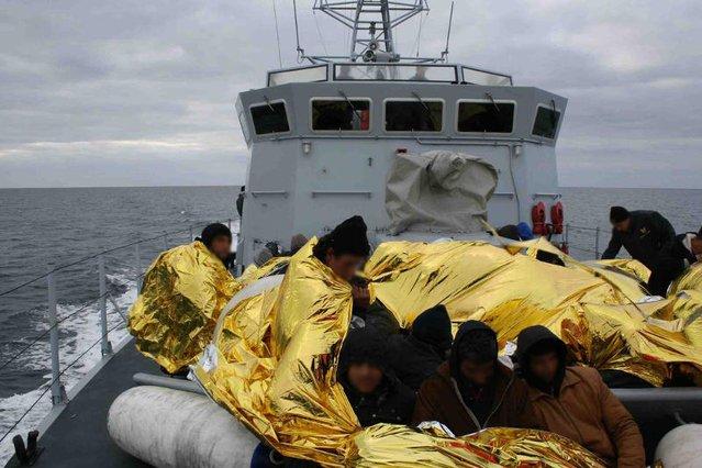 Nielegalni imigranci coraz częściej giną na morzu. Na statkach próbują przedostać się do Włoch