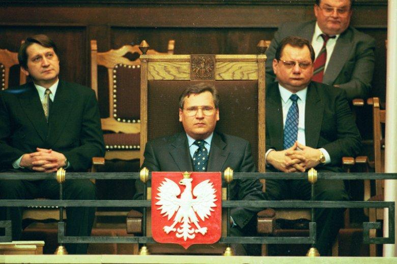 Prezydent RP Aleksander Kwasniewski podczas Zgromadzenia Narodowego w sprawie nowej Konstytucji Rzeczypospolitej (1997).