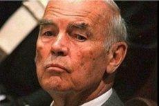 Erich Priebke został skazany na karę dożywotniego pozbawienia wolności za udział w rozstrzelaniu 335 włoskich więźniów. Były esesman zmarł 11 października 2013 roku