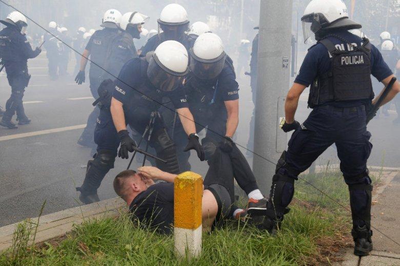Szef policji zapewnia, że nie będzie taryfy ulgowej wobec sprawców zamieszek w Białymstoku.