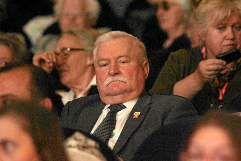 """Lechowi Wałęsie nie do końca spodobało się to, w jaki sposób został przedstawiony w filmie Andrzeja Wajdy """"Wałęsa""""."""