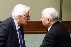 Szef MSZ Witold Waszczykowski ostro krytykuje nową ustawę o służbie zagranicznej zaprojektowaną w PiS. Miałaby ona ustanowić Radę Służby Zagranicznej, które ograniczy jego kompetencje.