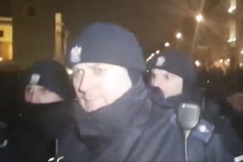 Policjanci wtargnęli pomiędzy Obywateli RP podczas 94. miesięcznicy smoleńskiej.