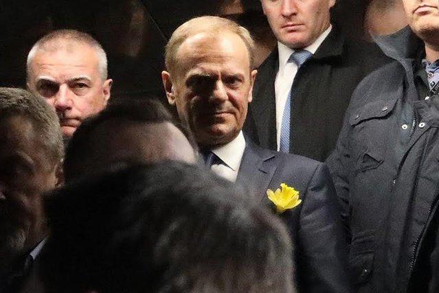 Przewodniczący Rady Europejskiej Donald Tusk po wyjściu z prokuratury