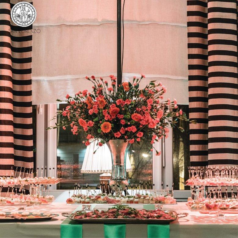Elegancki wystrój i przestronna sala sprawia, że w San Lorenzo często organizowane są wesela i zamknięte przyjęcia.