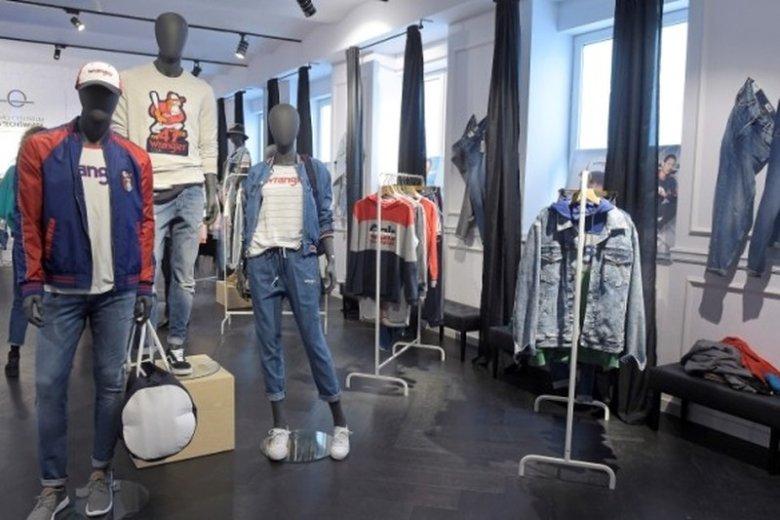 Kolekcja Wranglera jest nawiązaniem do kolorowej stylistyki lat. 80 i 90.