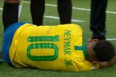 """Neymar był najczęściej """"leżącym"""" zawodnikiem mundialu w Rosji. Teraz zabłysnął kolejnym """"osiągnięciem""""..."""