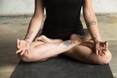 Medytacja daje wiele korzyści.