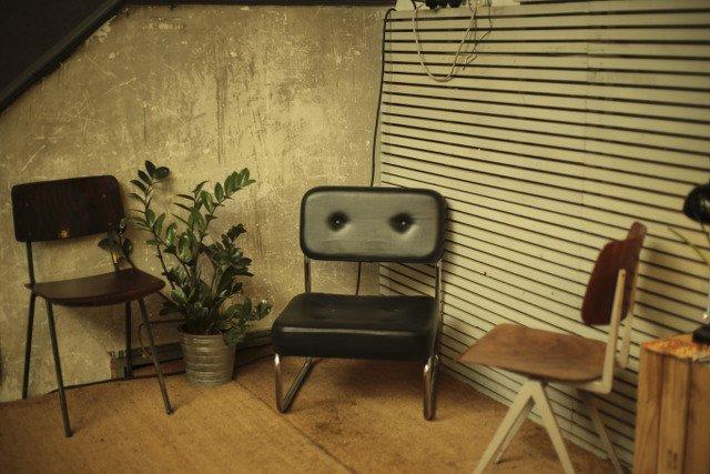 Niepozorny, wyszperany na strychu fotel może stać się gwiazdą naszego wnętrza