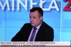 """Adrian Klarenbach w TVP Info omyłkowo powiedział o """"polskich obozach zagłady"""". I to w towarzystwie zastępcy Prokuratora Generalnego."""