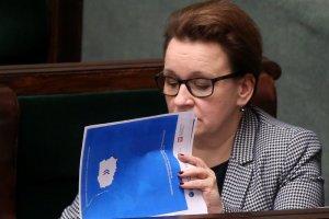 Minister edukacji Anna Zalewska wprowadza w oświacie nowe porządki. Jednym z nich jest nauka posłuszenstwa