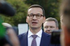 Mateusz Morawiecki odwiedził Namysłów, gdzie musiał stawić czoło przeciwnikom rządu.